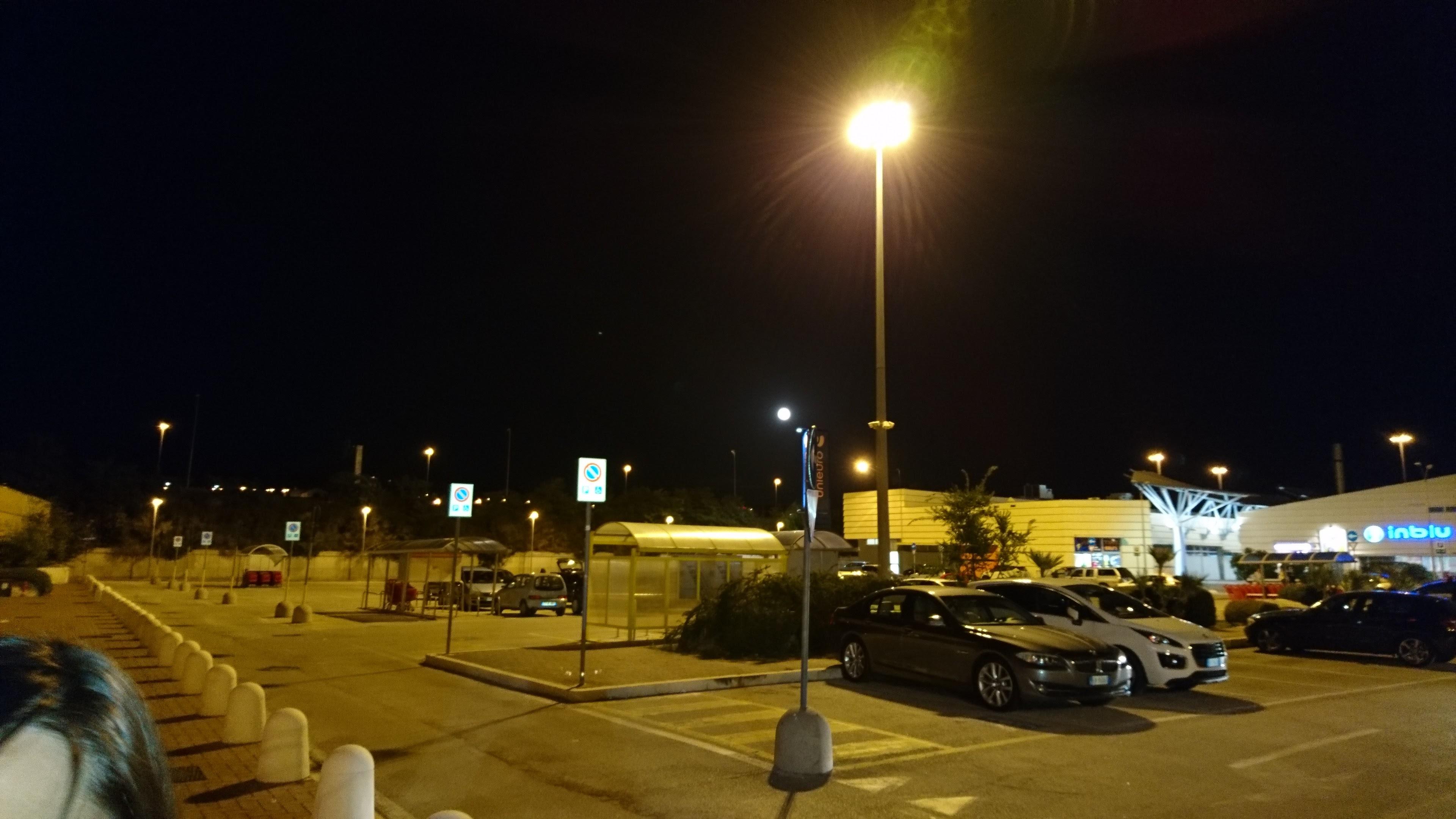 SONY XPERIA X Scatto Notturno
