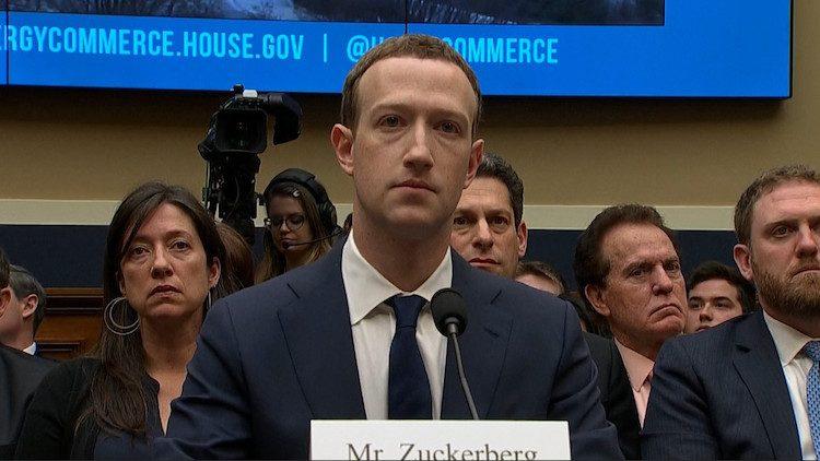 Marck-Zuckerberg-Camera